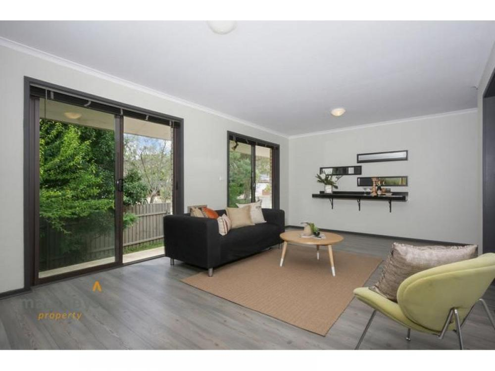 Terrific Townhouse in a Quiet Leafy Location