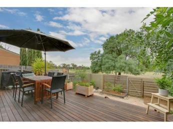 View profile: Single level Willemsen townhouse
