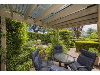 View profile: Furnished One Bedroom with Separate Study - Walk to Manuka
