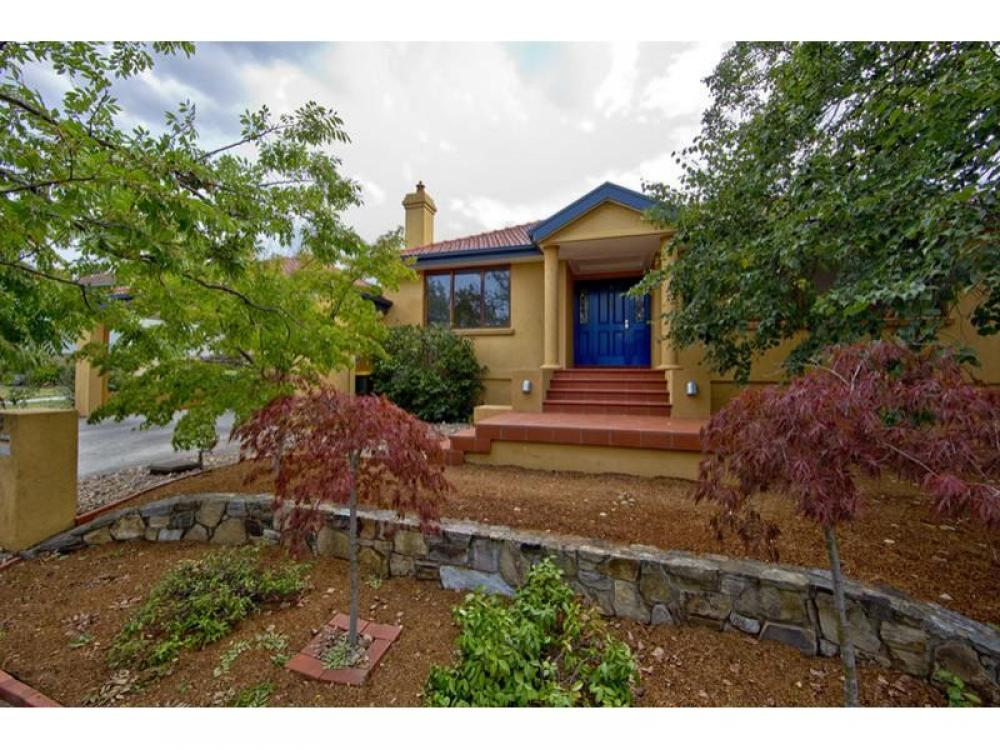 Superb Location and Outstanding Family Home!