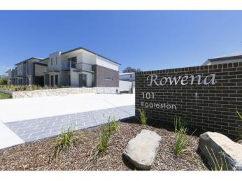 View profile: TOWNHOUSE, ENVIABLE CENTRAL LOCATION!