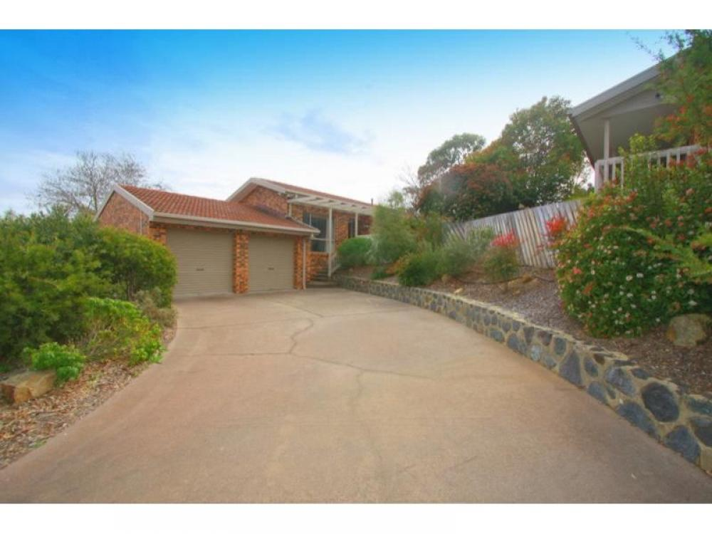 Four Bedroom Townhouse in Great Location