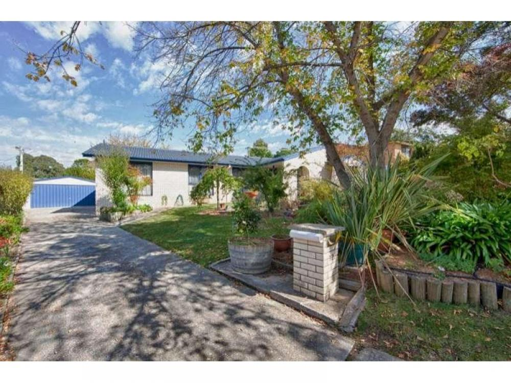 Generous Spacious Family Home in Gowrie!